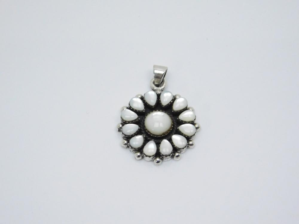 Native  American Or Mexico Sterling Silver Mop Cluster Pendant 11.8G