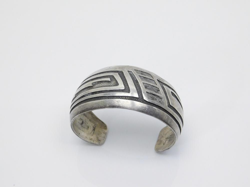 Vintage  Native American Or Mexico Sterling Silver Cuff Bracelet 30.9G