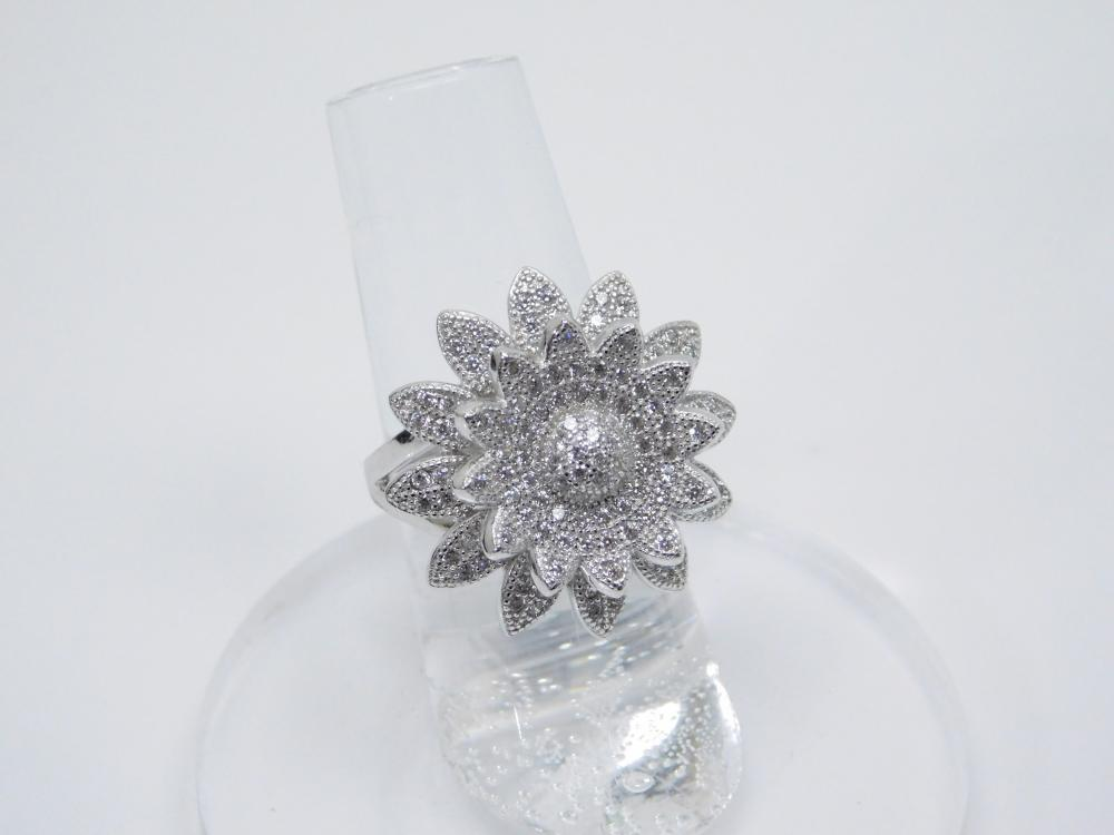 Sterling Silver Brilliant Cz Encrusted Cluster Flower Cocktail Ring 8G Sz6.25