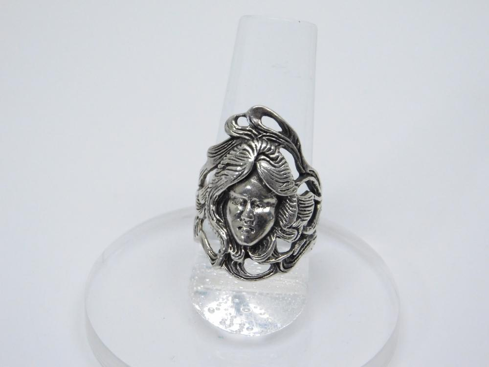 Vintage Sterling Silver Womans Face Head With Flowing Hair Ring 8.7G Sz7