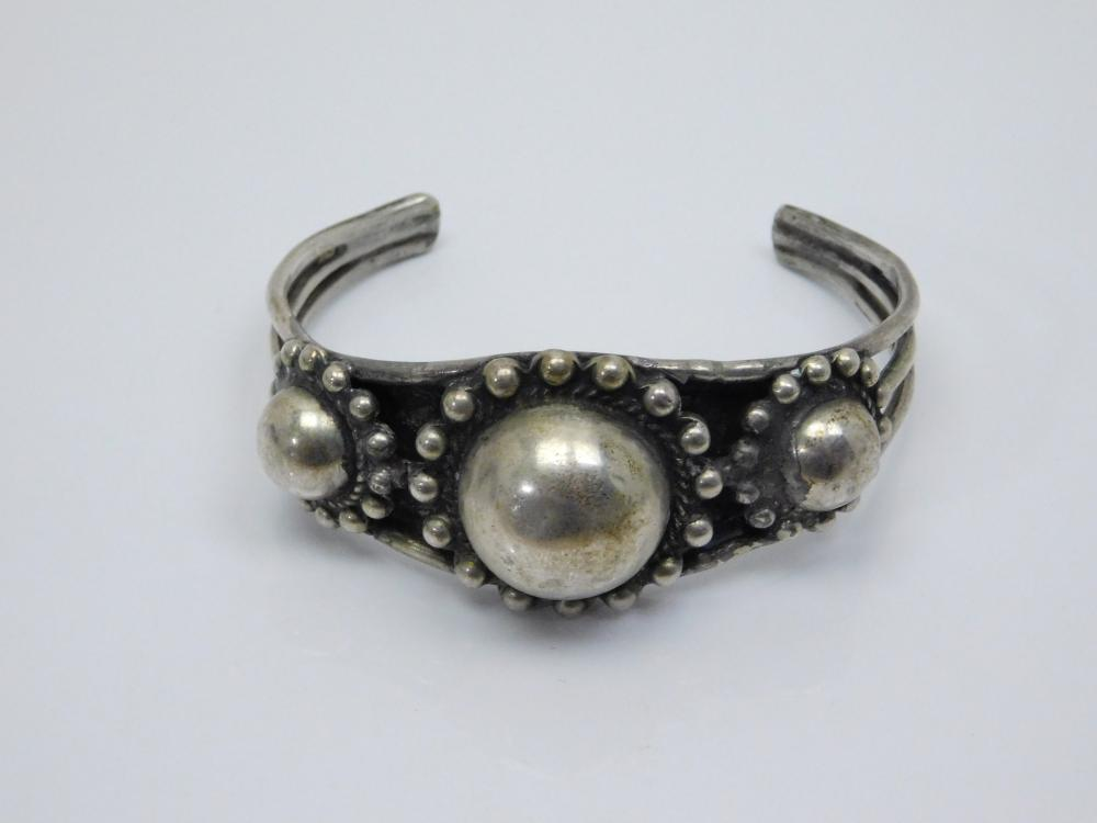 Vintage Mexico Sterling Silver Ball Bead Cuff Bracelet 44G