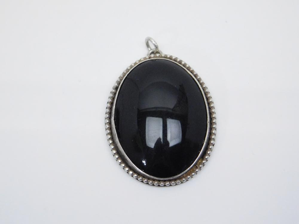 Vintage Native American Or Mexico Sterling Silver Black Onyx Pendant 22.7G