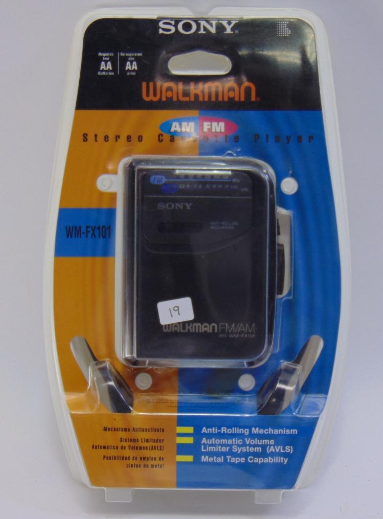 Lot 19: Unused Sony AM/FM Battery Operated Walkman