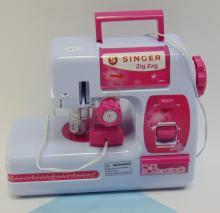 Lot 37: Battery Operated Singer Zig Zag Kids Sewing Machine