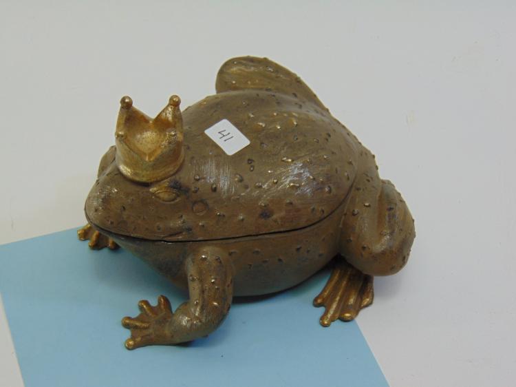 Expo Inc Resin Royal Frog Trinket Box