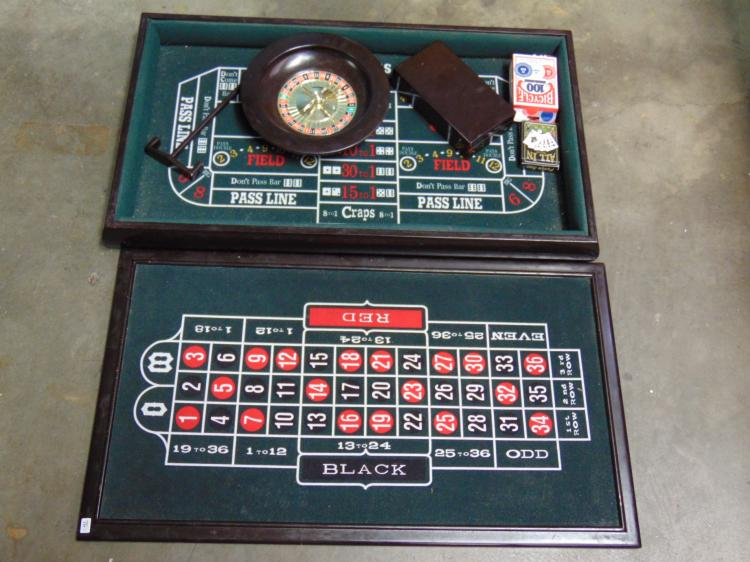 Lot 76: Roulette Black Jack Craps Mini Casino Game Set