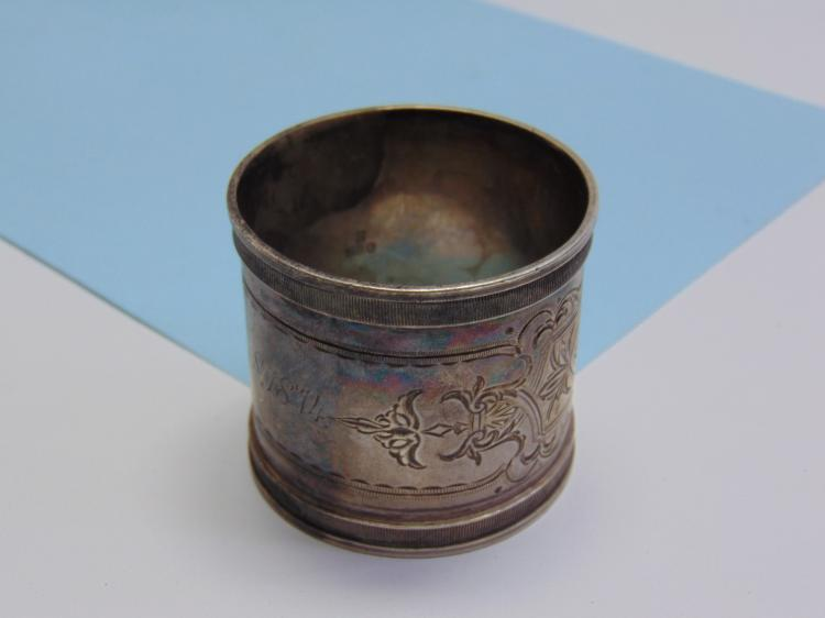 Lot 139: 1914 52g Sterling Silver Etched Napkin Ring