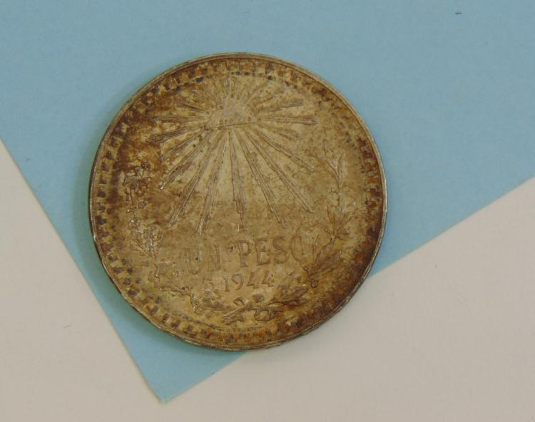 1944 Un Peso Mexico 72% Silver 720 Coin