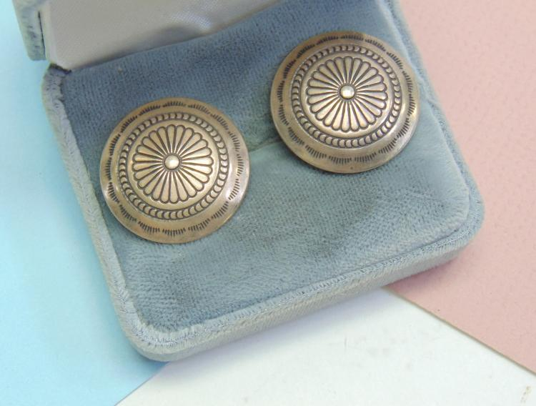 Vintage 7.5g Sterling Concho Clip On Earrings