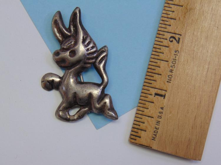 Vintage 18.5g Silver Mexico Little Donkey Brooch