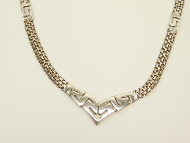 Lot 2: Sterling Silver Italian Incised Bib Style Fashion Choker V Necklace 17G