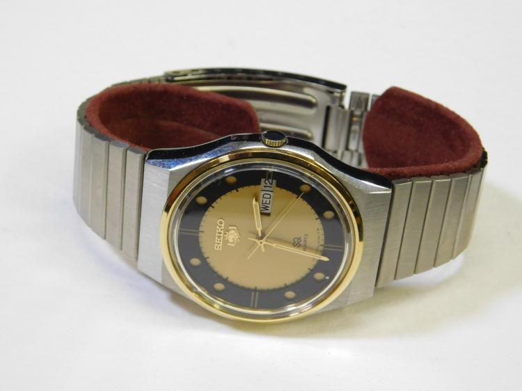 Vintage Seiko Mens Stainless Steel Silver & Gold Plated Bezel Day & Date Wrist Watch