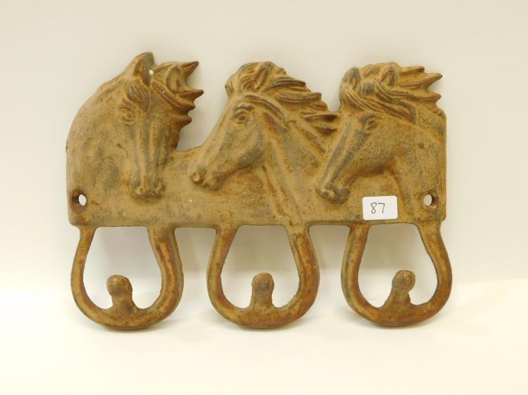 Modern Cast Iron Triple Horse Head Heavy Coat Wall Hanger