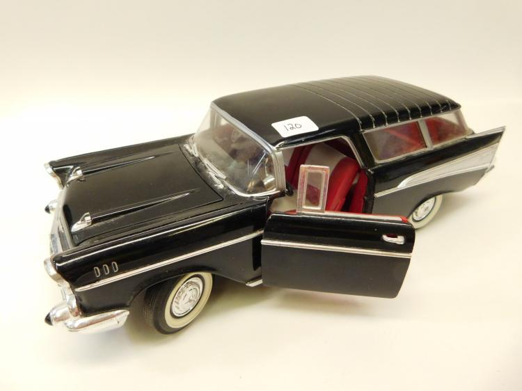 1/18 Scale Road Tough 57 Chevrolet Nomad