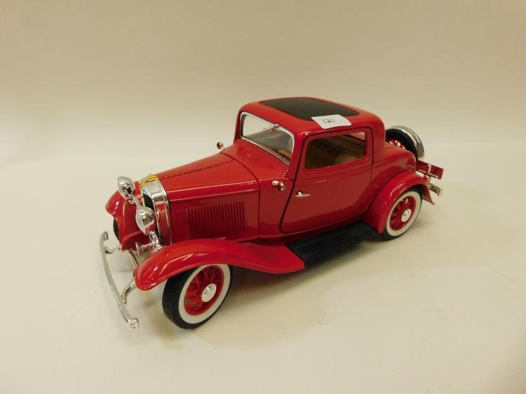 1/18 Scale Road Legends 1932 Ford 3 Window Coupe Diecast Metal Model