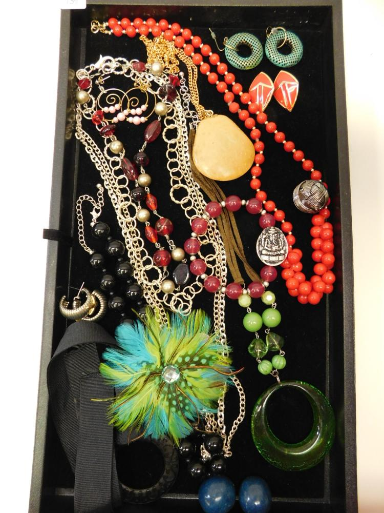 Vintage And Modern Costume Jewelry Necklace Earrings & Bracelet Jewelry Lot