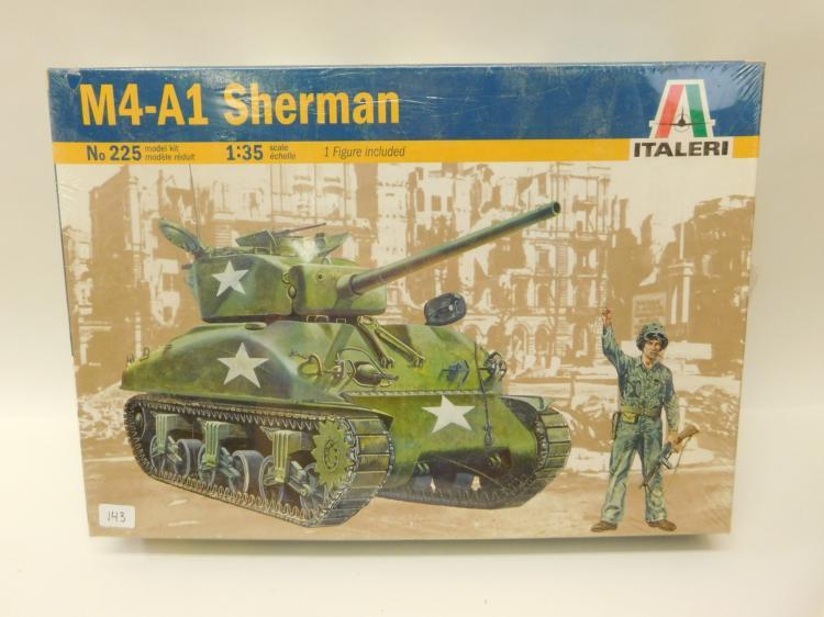 2004 Italeri 1/35 Scale M4A1 Sherman Tank Model Kit With Figure In Original Box