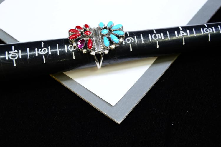 Lot 107: 7.7 Grams Sterling Silver Garnet Coral And Turquoise Navajo Ring Signed Dj Size 7.25