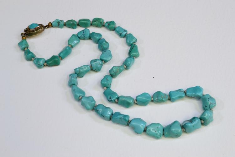 Vintage Sterling Silver And Polished Turquoise Nugget 22.75 Inch Necklace