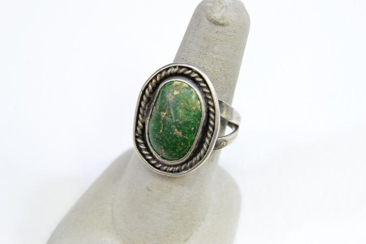 7.8 Gram Sterling Silver And Green Turquoise Navajo Ring Size 7