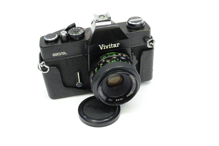 Vivitar 220/Sl 35 Millimeter Film Camera