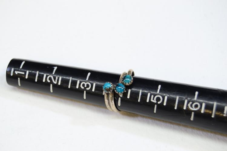 Lot 190: Sterling Silver And Petit Point Turquoise Ring Size 4