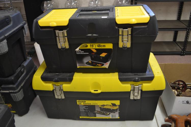 Lot Of To Stanley 19 Inch And 24 Inch Series 2000 Tool Boxes