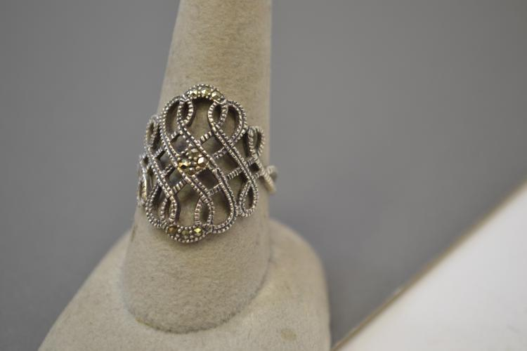 Vintage Sterling Silver And Marcasite Fashion Ring Size 9