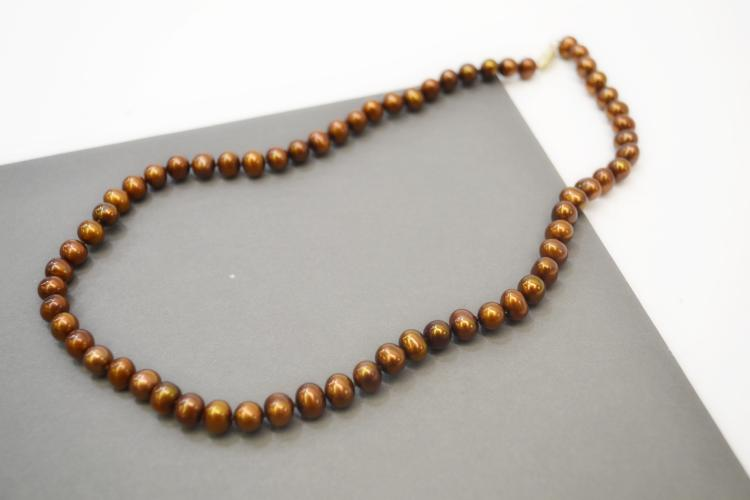 Modern 14 Karat Gold And Copper Colored Cultured Pearl Necklace