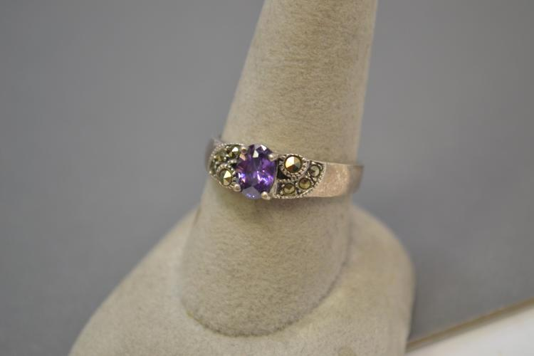 Vintage Sterling Silver Amethyst And Marcasite Ring Size 9