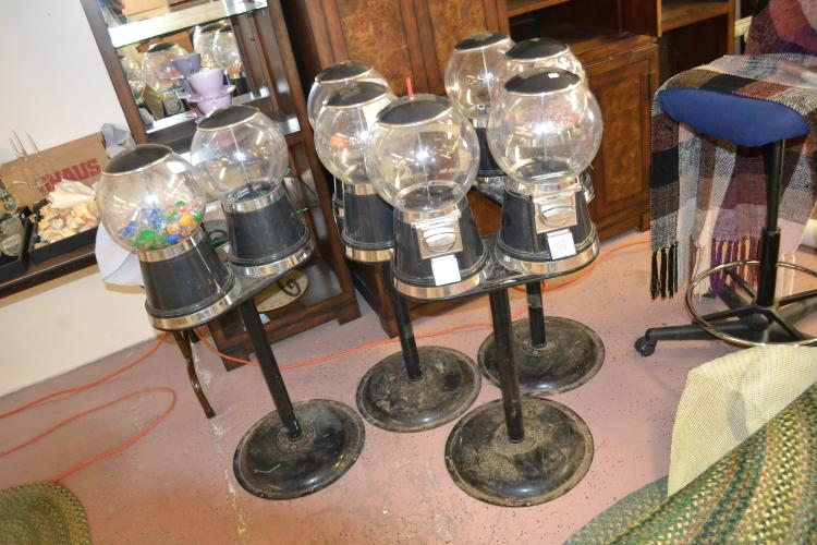 Lot 4 Gumball Machines With One Key Local Pickup Only