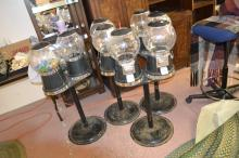 Lot 100: Lot 4 Gumball Machines With One Key Local Pickup Only