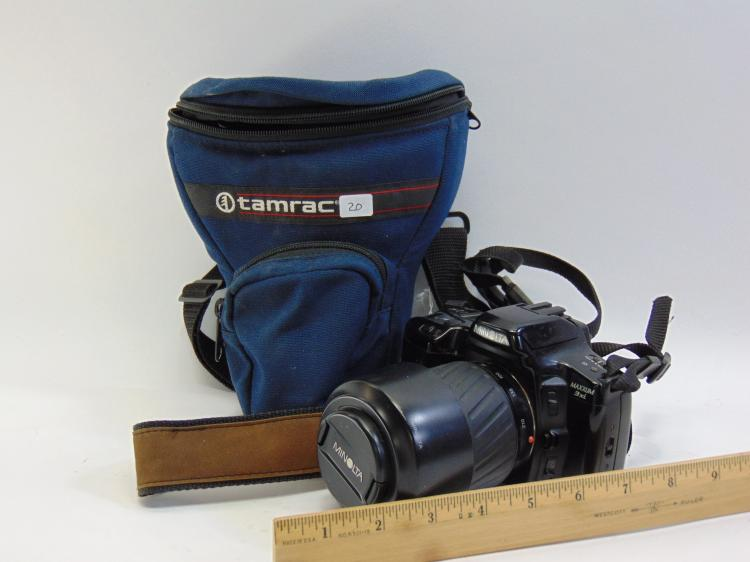 Lot 20: Minolta Maxxum 3xi 35mm Camera W/ Zoom Lens