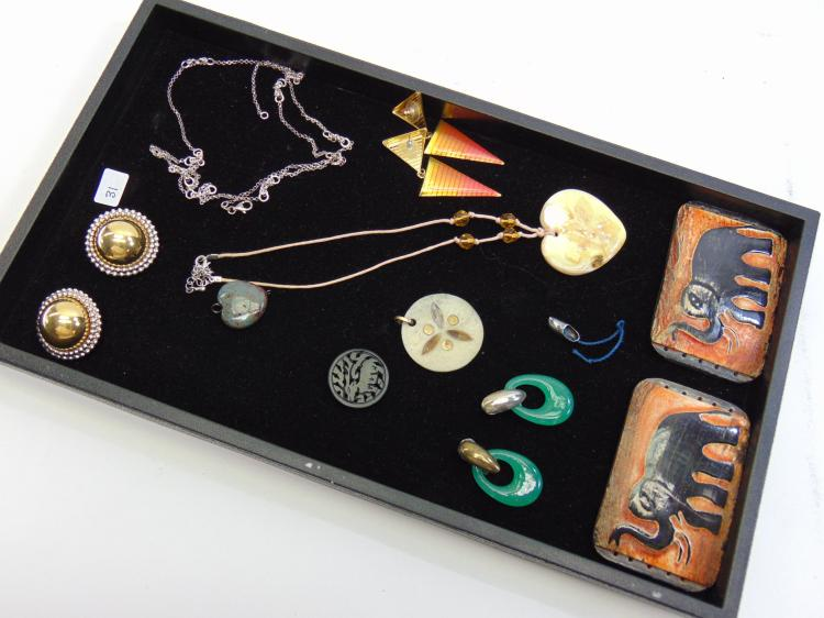 Assorted Costume Jewelry Necklace Earrings Lot