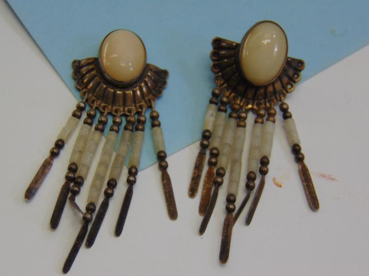 Vintage 9.6g Sterling White Quartz Post Earrings