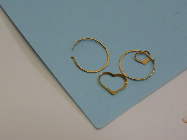 .5g 14K Gold Hoop Heart Earrings