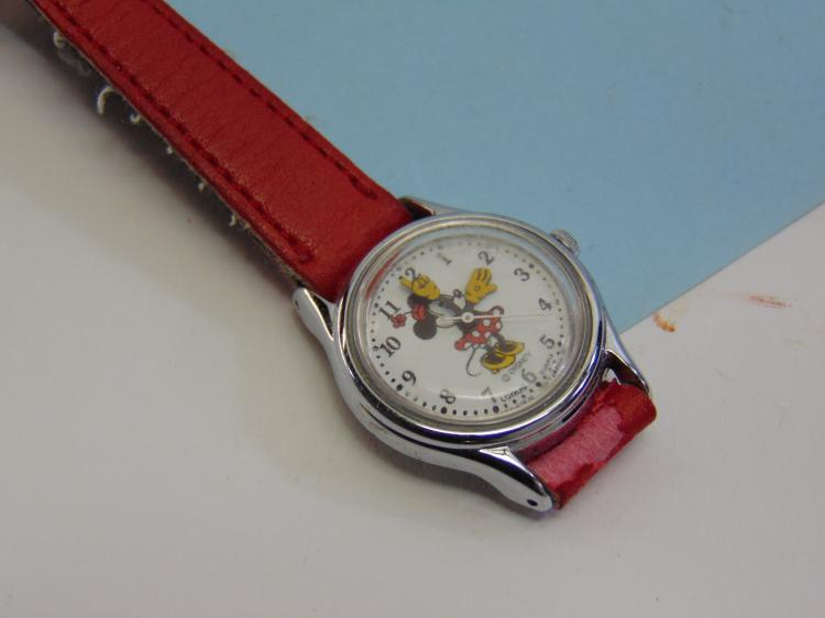 Vintage Lorus Disney Minnie Mouse Ladies Watch