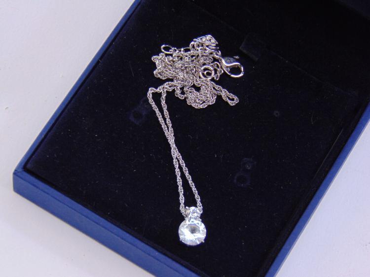 Costume Jewelry Silvertone Swarovski Necklace