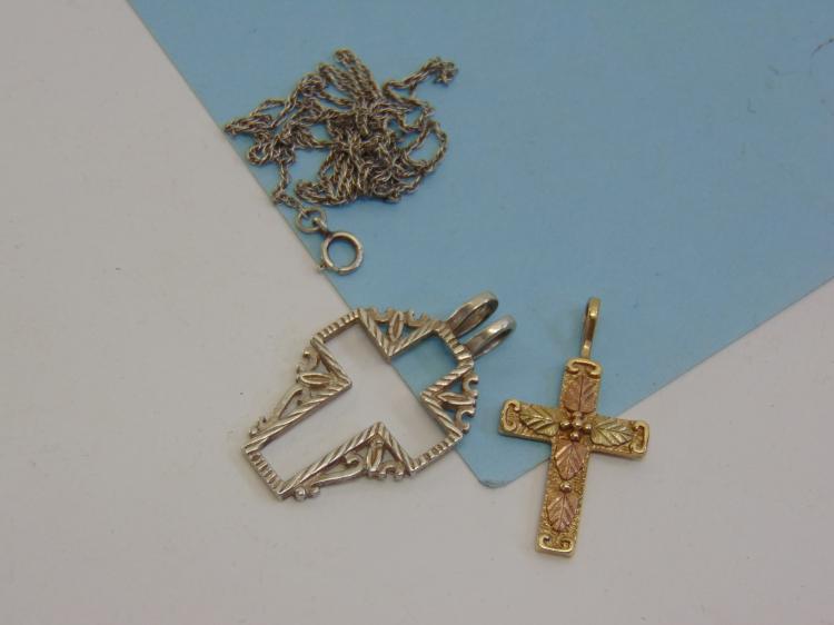 1.7g 10K Gold & Sterling Cross Pendant Necklace