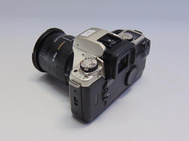 Lot 14: Canon EOS Elan IIe 35mm Camera with Sigma 28-105mm 1:2.8-4 Lens