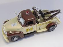 Lot 18: Diecast 1/24 Welly 1953 Chevrolet Tow Truck