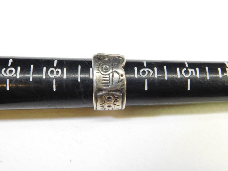 Lot 18: Vintage Sterling Silver Tribal Pictograph Ring Size 7
