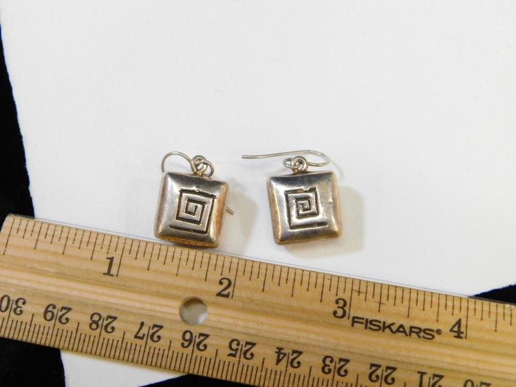 Lot 62: Vintage Sterling Silver Puffy Square Dangle Earrings 6.6G