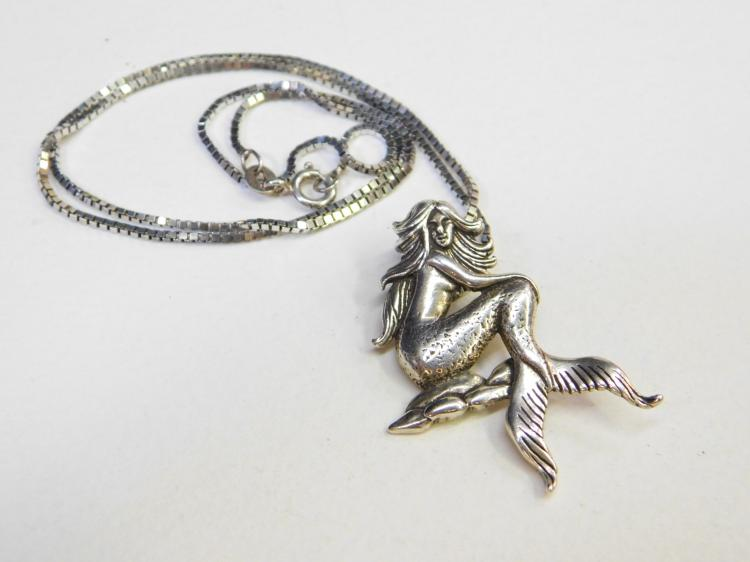Vintage Sterling Silver Mermaid Pendant Necklace 9.5G