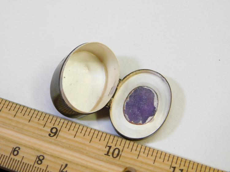 Lot 133: Vintage Taxco Mexico Sterling Silver Amethyst Pill Or Trinket Box 8.8G