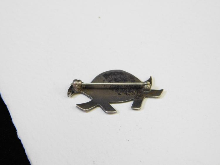 Lot 138: Vintage Hopi Sterling Silver Inlaid Turquoise Turtle Brooch