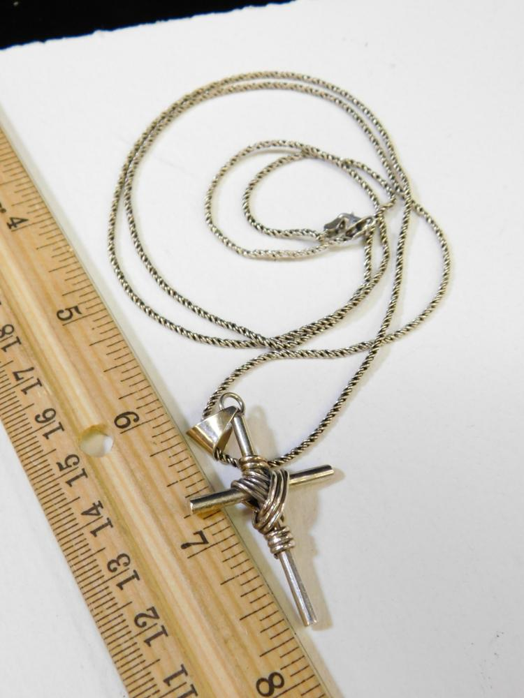 """Lot 146: Vintage Taxco Mexico Sterling Silver Religious Cross Pendant On 30"""" Chain Necklace"""