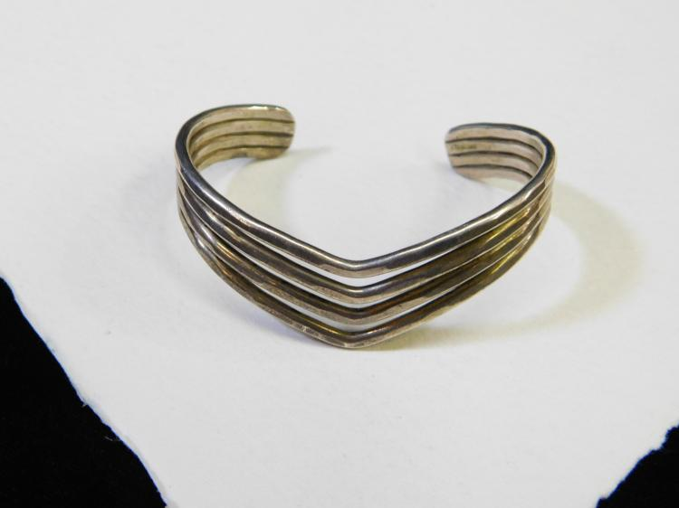 Vintage Hammered Sterling Silver Multiple Strand V Shaped Cuff Bracelet 27.6G