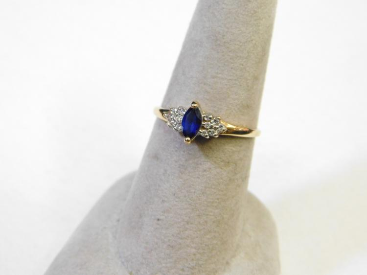 Vintage 10 Karat Gold Blue Sapphire Diamond Cluster Engagement Or Fashion Ring Size 7 1.3G