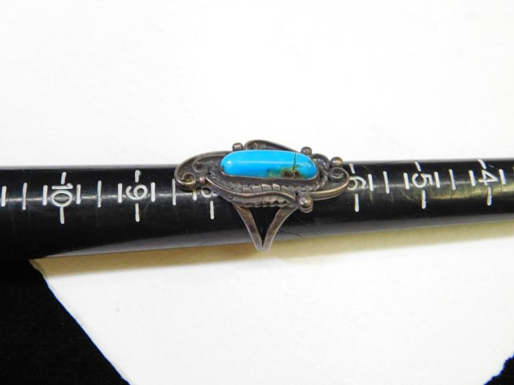 Lot 173: Vintage Navajo Sterling Silver Turquoise Ring Size 8 10G